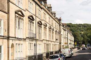 2 Bathwick Street