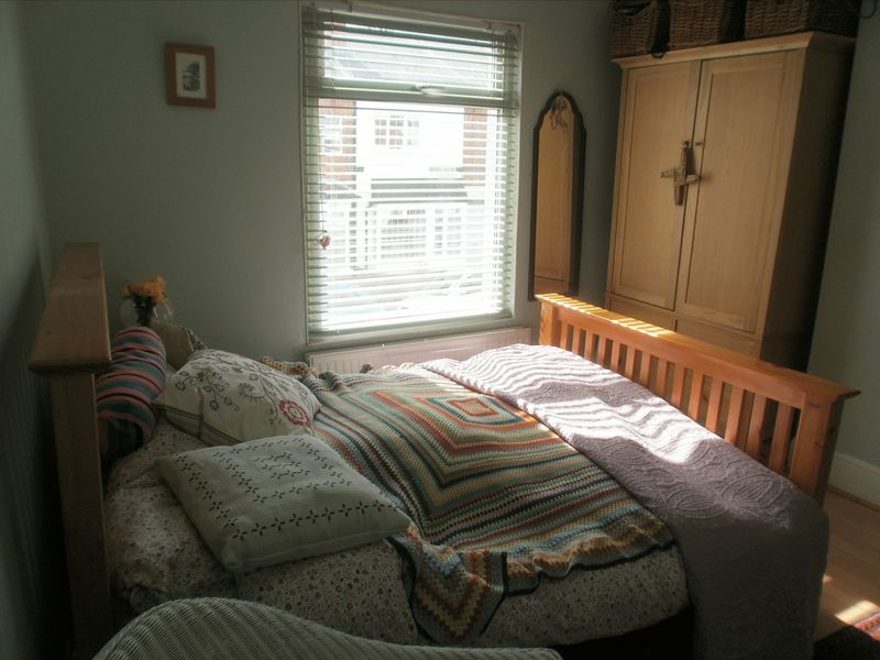 Well Presented One Bed First Floor Flat,...