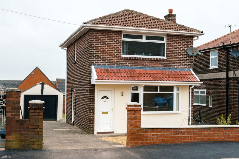 2 Bedrooms Detached House for sale in Southdowns Road, Chorley