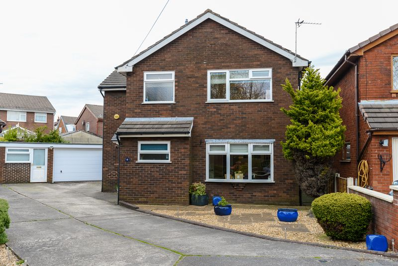 4 Bedrooms Detached House for sale in Hawthorne Close, Leyland