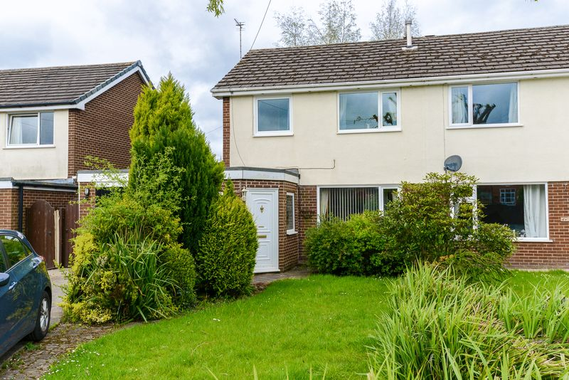 4 Bedrooms Detached House for sale in Enfield Close, Eccleston, Chorley