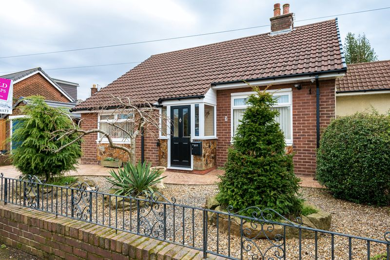 2 Bedrooms Detached Bungalow for sale in Grosvenor Road, Chorley