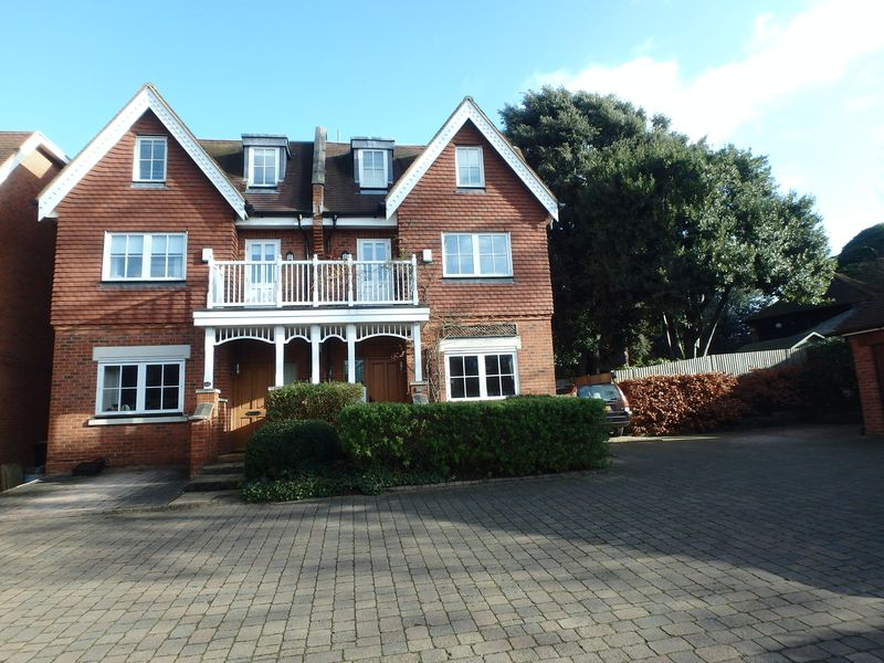 4 Bedrooms House for sale in Austyns Place, Ewell Village