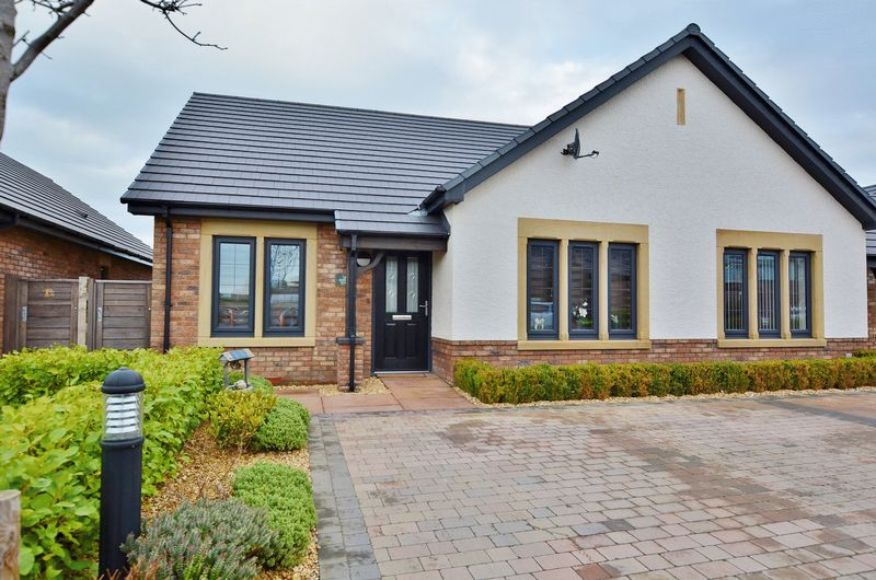 2 Bedrooms Semi Detached Bungalow for sale in Hunslet Place, Whitehaven