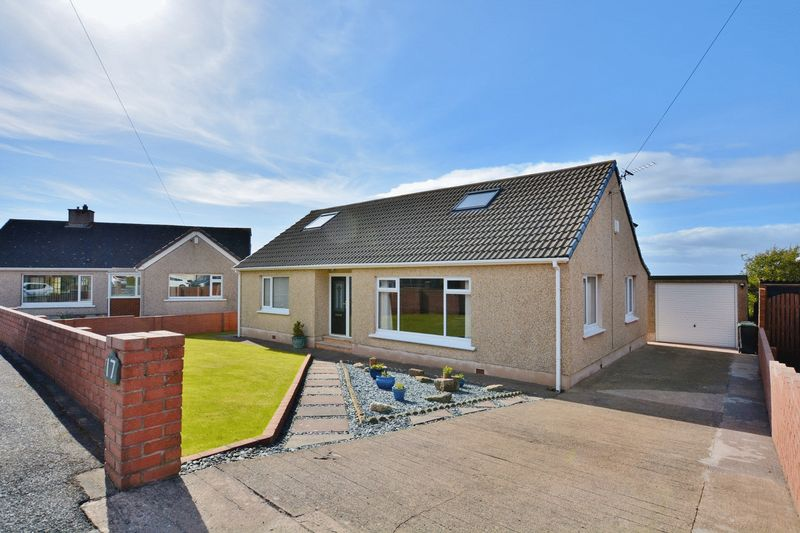 5 Bedrooms Detached Bungalow for sale in High Close, Workington
