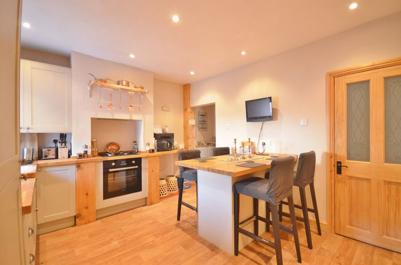 2 Bedrooms Terraced House for sale in Victoria Road, Workington