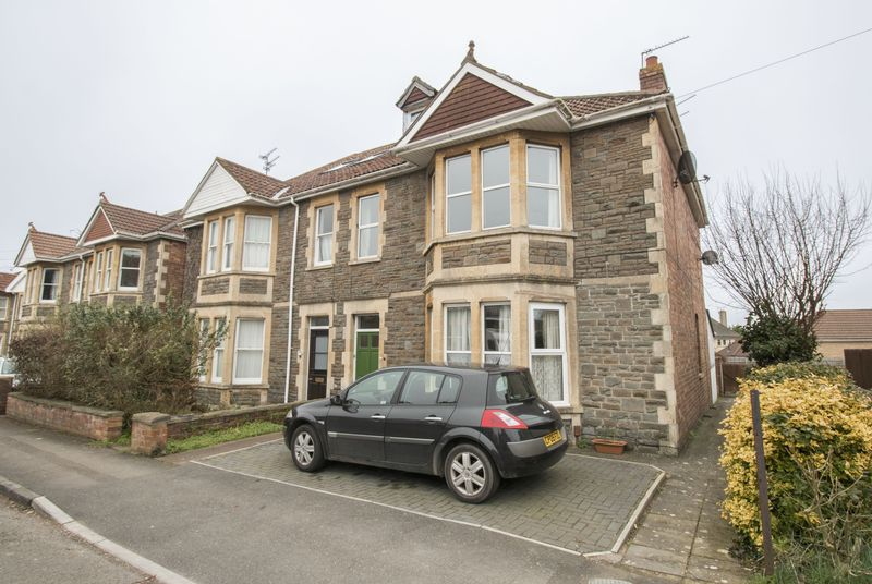 3 Bedrooms Flat for sale in West View Road, Keynsham