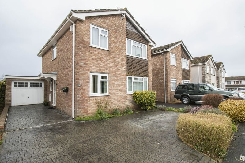 4 Bedrooms Detached House for sale in Oakleigh Gardens, Oldland Common