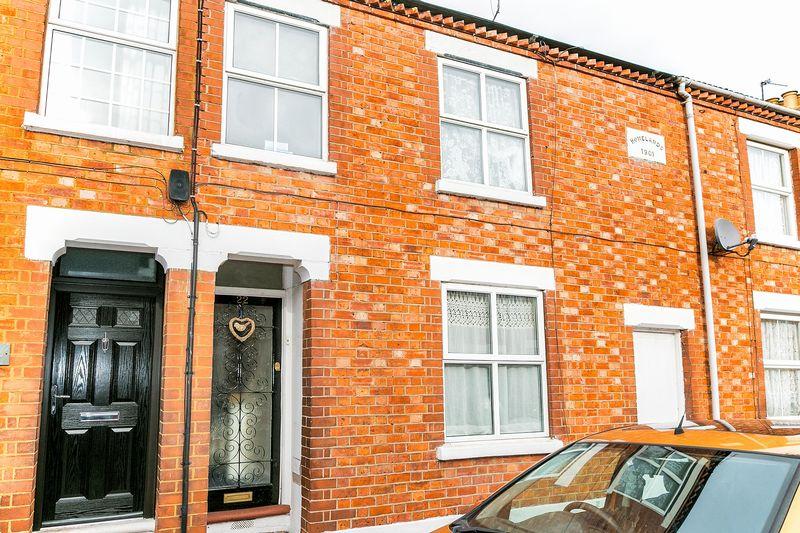 3 Bedrooms Terraced House for sale in St Giles Street, New Bradwell, Milton Keynes