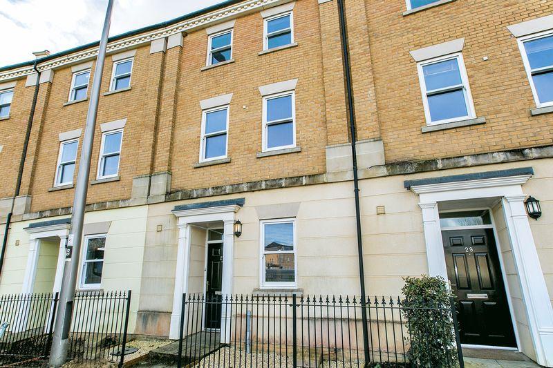 4 Bedrooms Terraced House for sale in Rowditch Furlong, Milton Keynes