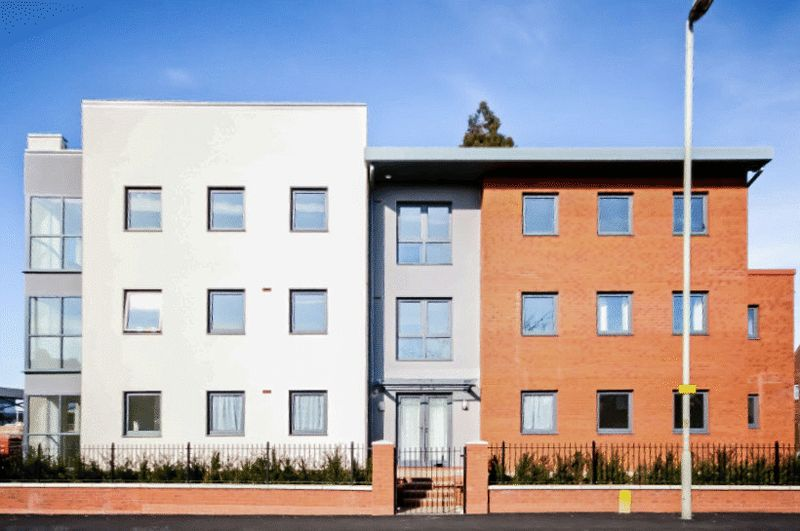 2 Bedrooms Flat for sale in Wellingtonia Gardens, Gloucester