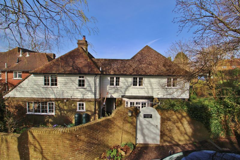 4 Bedrooms Detached House for sale in East Street, Mayfield