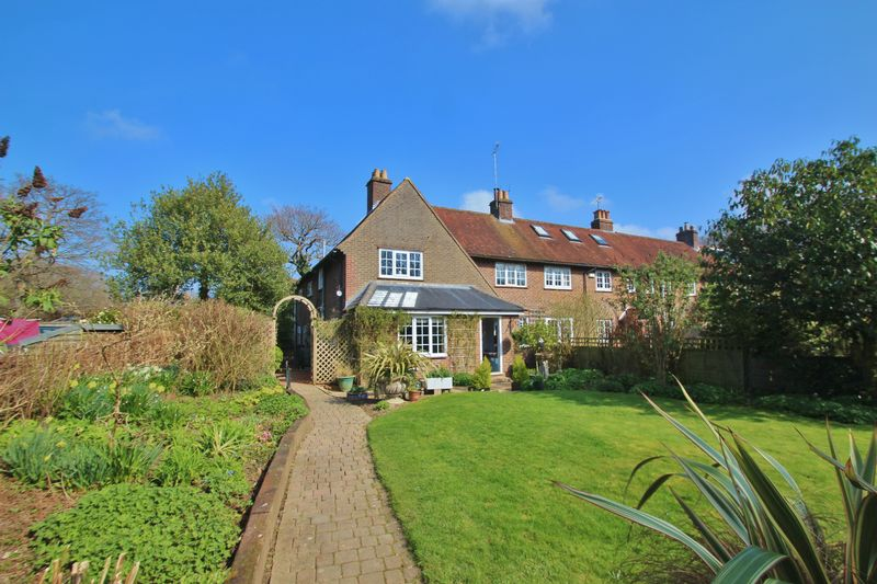 4 Bedrooms Terraced House for sale in Wallcrouch, Wadhurst