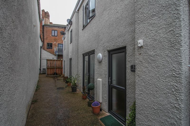 2 Bedrooms Terraced House for sale in 3, The Old Print Works, Crediton