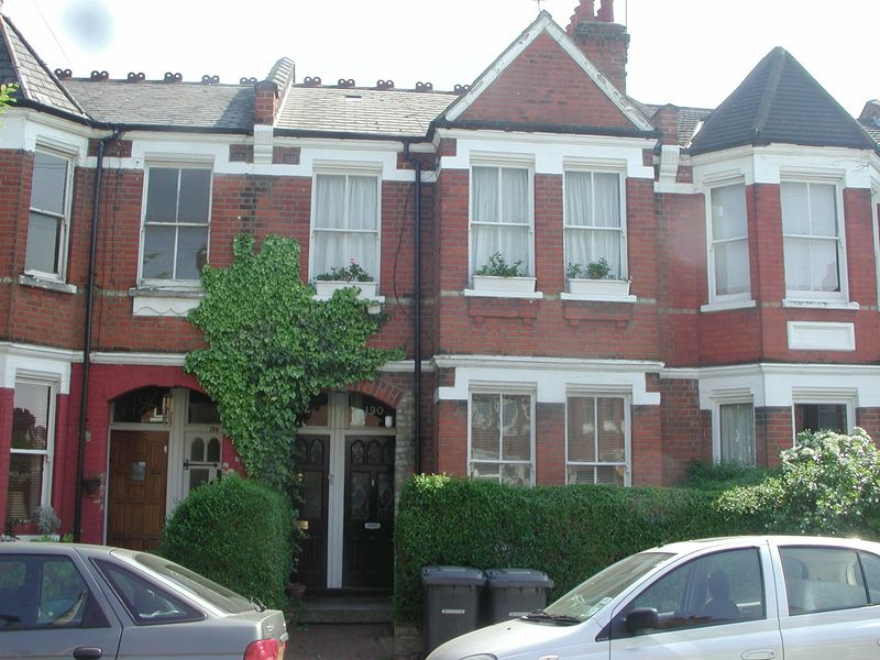 2 Bedrooms Flat for sale in Wood Green, N22