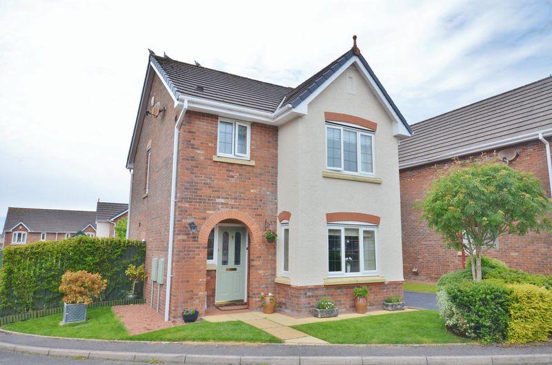 3 Bedrooms Property for sale in Fir Garth, Cleator Moor