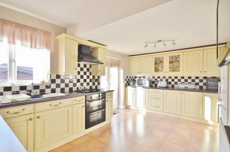 3 Bedrooms Property for sale in Stoneycroft Great Clifton, Workington