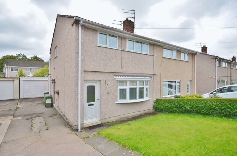 2 Bedrooms Property for sale in Scawfell Avenue, Workington
