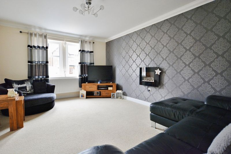 3 Bedrooms Property for sale in Edderside Drive, Whitehaven
