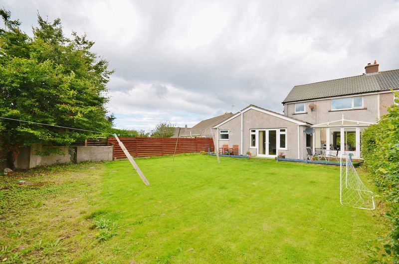 3 Bedrooms Property for sale in Red Beck Park, Cleator Moor