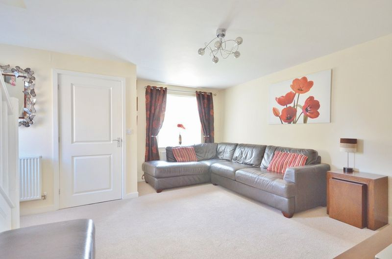 3 Bedrooms Property for sale in Weavers Avenue, Frizington