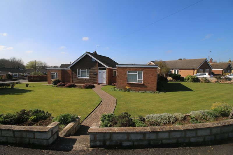 4 Bedrooms Detached Bungalow for sale in Sycamore Drive, Thame