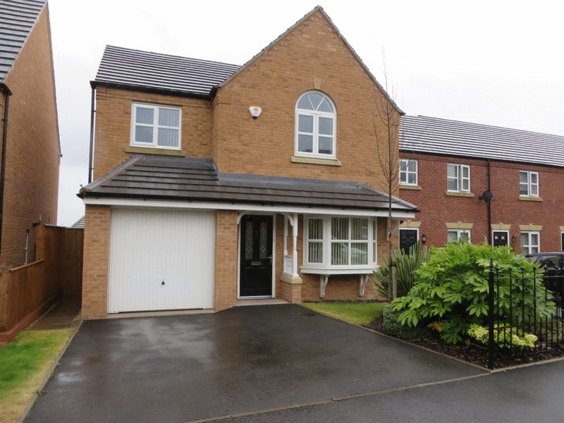 4 Bedrooms Detached House for sale in Mayfly Close, Oldbury