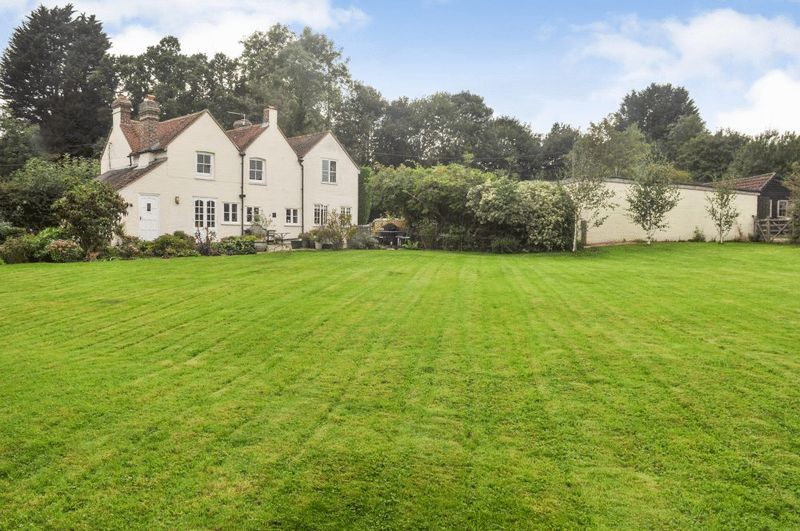 4 Bedrooms Detached House for sale in Ashdown Forest, East Sussex
