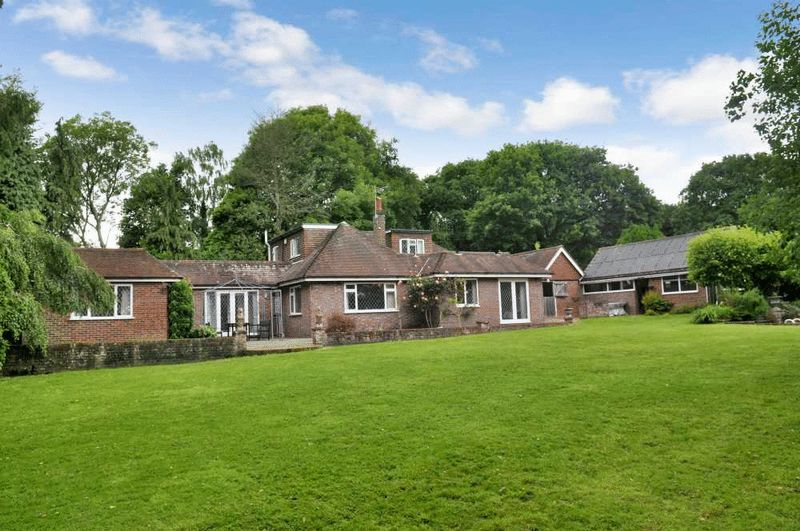5 Bedrooms Detached House for sale in Five Ash Down, Uckfield, East Sussex