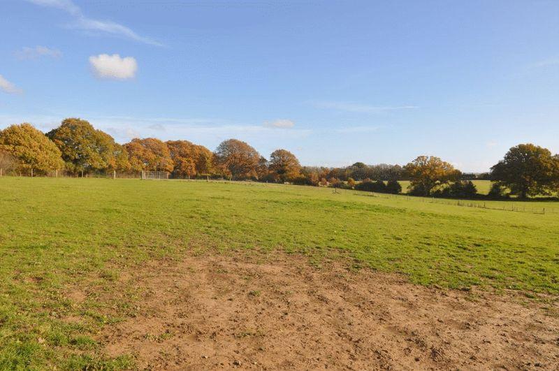 Hooklands Lane Spear Hill