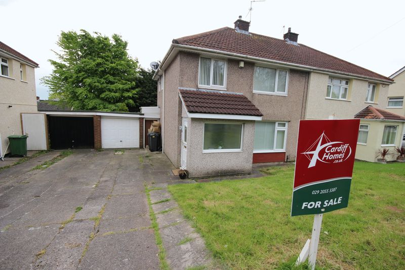 3 Bedrooms Semi Detached House for sale in Greenway Road, Cardiff