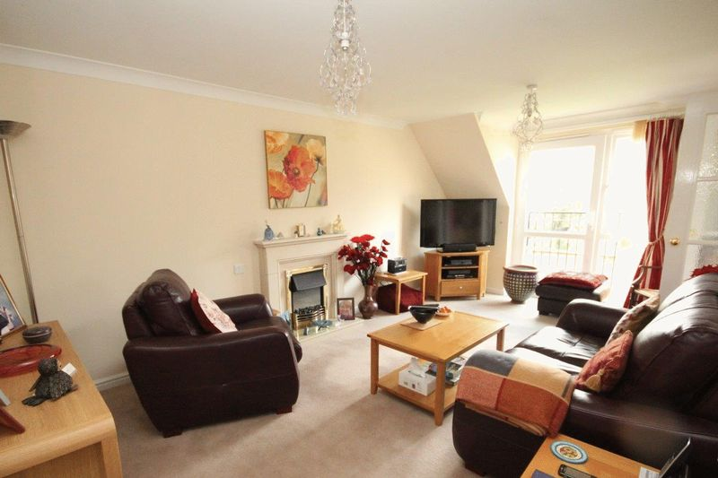 1 Bedroom Retirement Property for sale in Pritchard Court, Cardiff Road, Llandaff