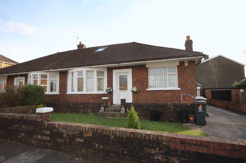 4 Bedrooms Semi Detached Bungalow for sale in Lynton Terrace, Rumney