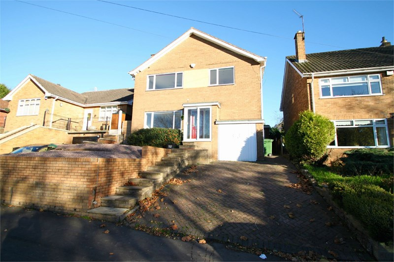 3 Bedrooms Detached House for sale in Springfield Avenue, Stourbridge