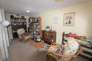 Kensington Close Thornbury
