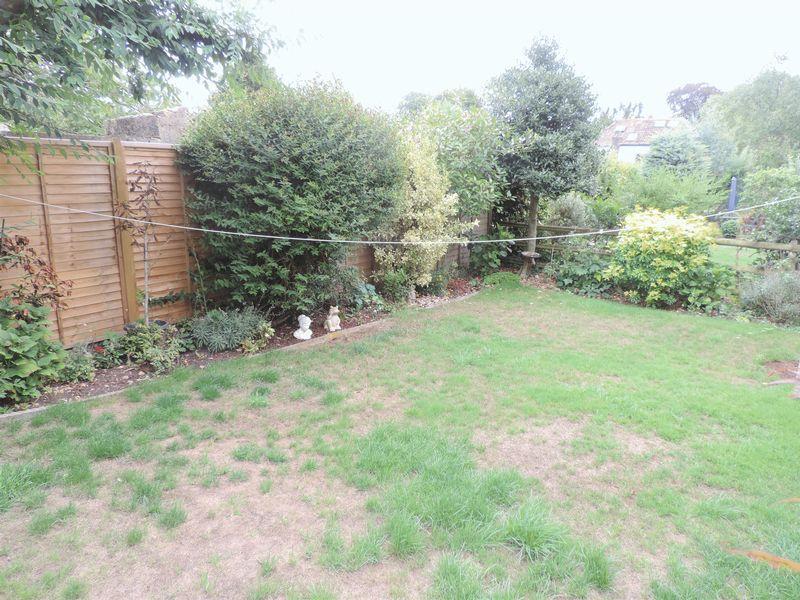 Hazleton Gardens Claverton Down