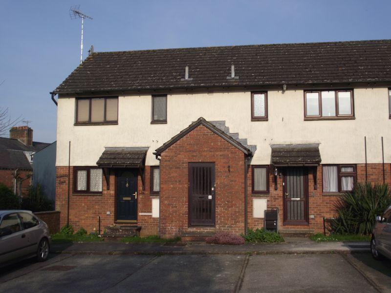 1 Bedroom Flat for sale in Salisbury Mews, Fordington, Dorchester