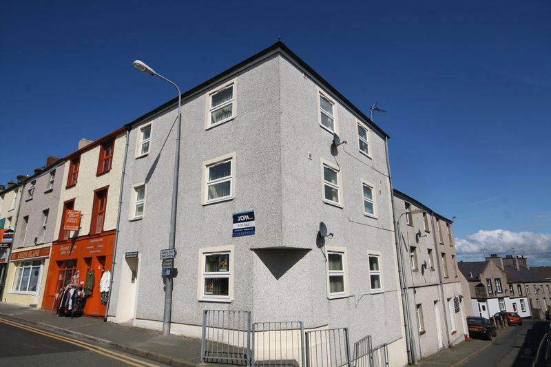 5 Bedrooms Terraced House for sale in Investment Opportunity - Holyhead. For Sale By Auction 8th June 2017 Subject to Auction Terms & Conditions