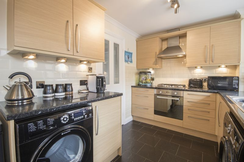 2 Bedrooms Terraced House for sale in Ainsford Way, Ormesby, Middlesbrough, TS7 9QF