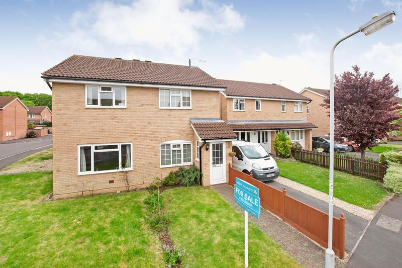 3 Bedrooms Semi Detached House for sale in BLACKBROOK