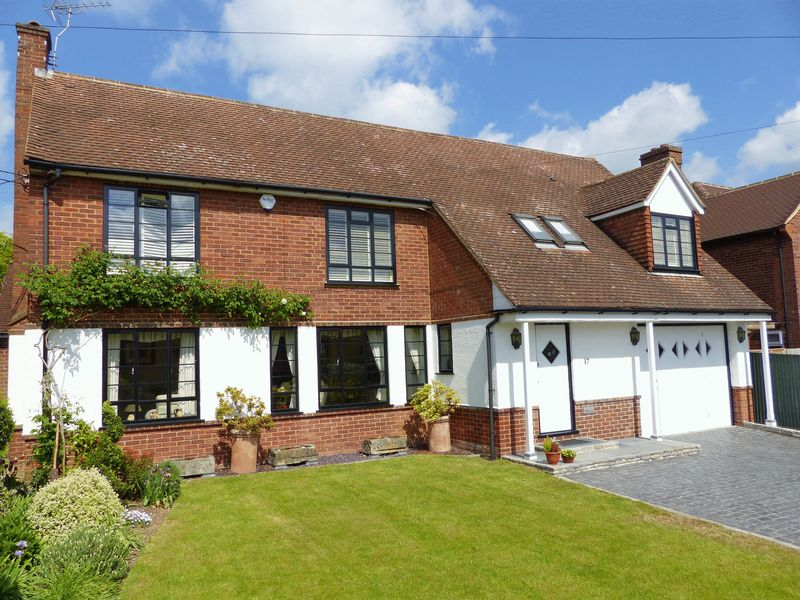 4 Bedrooms Detached House for sale in Southview Road, Marlow