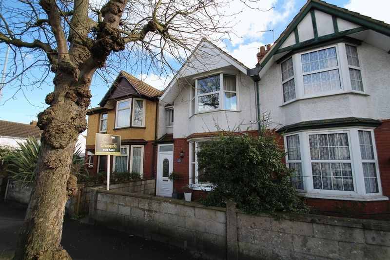 3 Bedrooms Terraced House for sale in Groundwell Road, Swindon