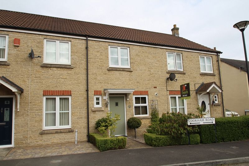 2 Bedrooms Terraced House for sale in Cookham Road, Oakhurst, Swindon