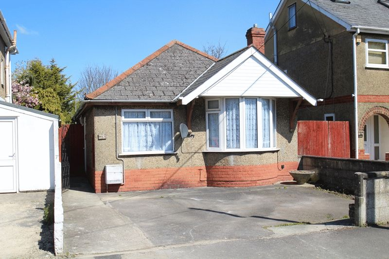 3 Bedrooms Detached Bungalow for sale in Wheeler Avenue, Swindon