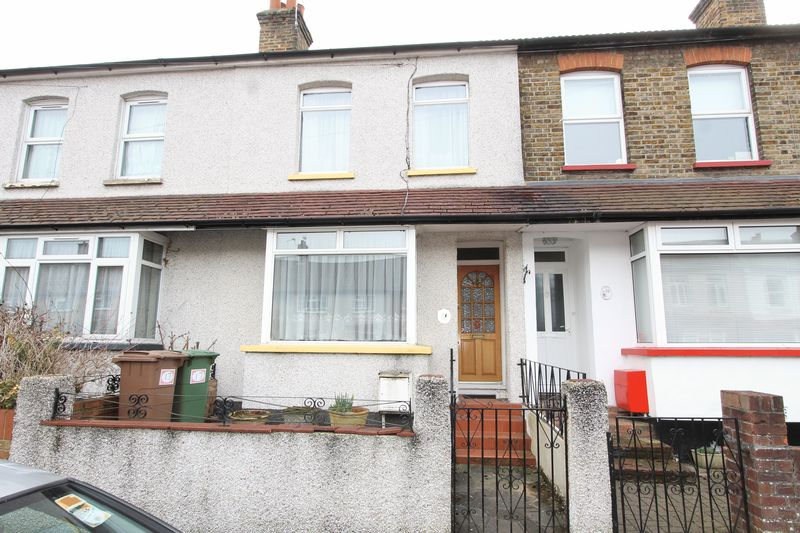 2 Bedrooms Terraced House for sale in Frederick Road, Cheam
