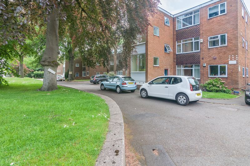 2 Bedrooms Flat for sale in Yemscroft, Lichfield Road, Rushall, Walsall.