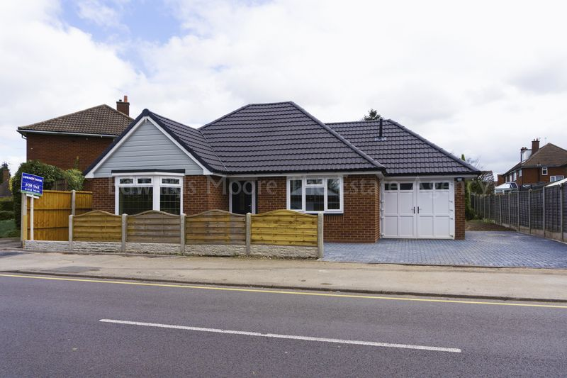 3 Bedrooms Detached Bungalow for sale in Broadmeadow, Aldridge, Walsall