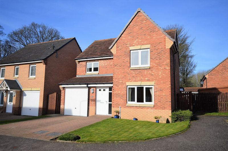 4 Bedrooms Detached House for sale in Groves Place, Glenrothes