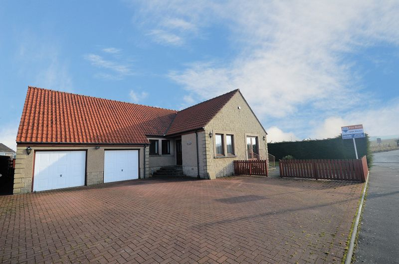 4 Bedrooms Detached Bungalow for sale in West End, Star