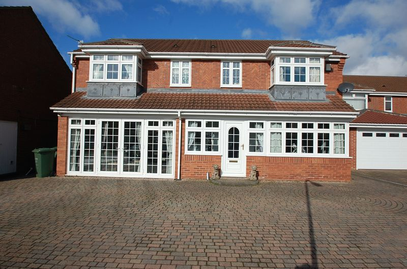 5 Bedrooms Detached House for sale in Castlemartin, Ingleby Barwick, Stockton-on-Tees